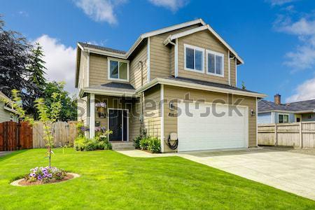 Nieuwe amerikaanse home buitenkant typisch ontwikkeling Stockfoto © iriana88w