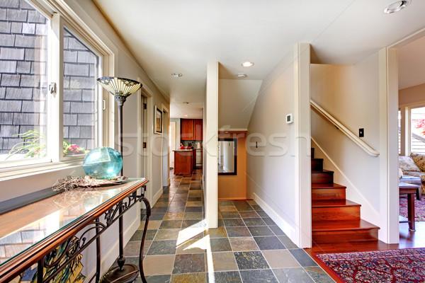Zdjęcia stock: Domu · korytarzu · schody · okno · tabeli