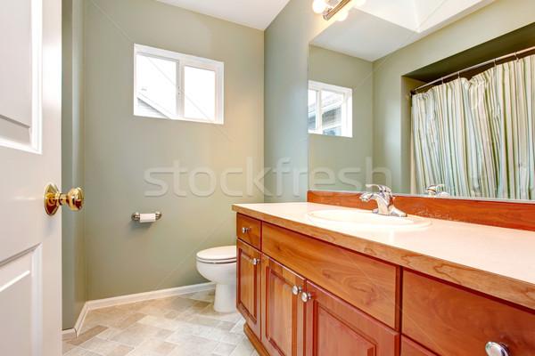 Vert · propre · nouvelle · salle · de · bain · bois ...
