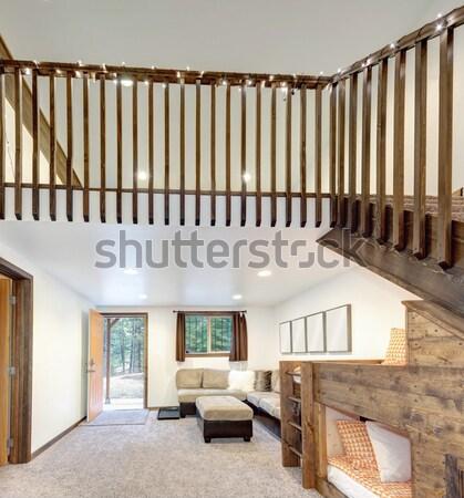 Grande nuevos americano casa escalera pasillo Foto stock © iriana88w