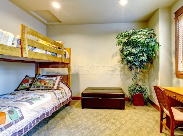 Slaapkamer kinderen verdubbelen bed bureau boom Stockfoto © iriana88w
