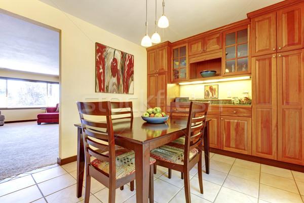 Parlak turuncu ahşap mutfak yemek odası karo Stok fotoğraf © iriana88w