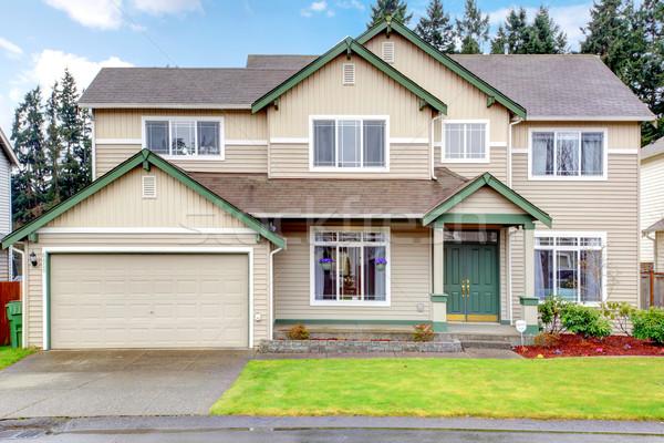 Сток-фото: классический · новых · к · северо-западу · американский · большой · дом · снаружи