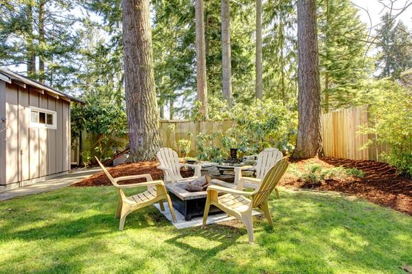 Otthon külső udvar székek fenyőfa fák Stock fotó © iriana88w