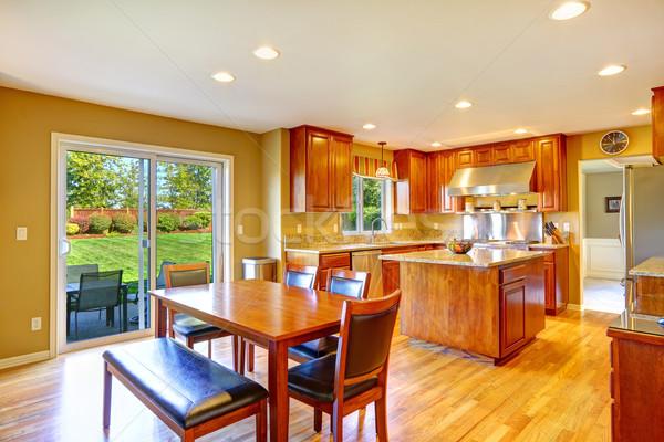 Luxe keuken kamer dining eiland eettafel Stockfoto © iriana88w