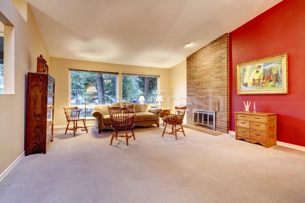 wohnzimmer ziegel kamin teppich gro rot stock foto iriana shiyan iriana88w. Black Bedroom Furniture Sets. Home Design Ideas