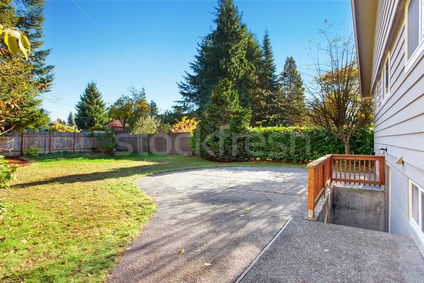 Groot Maakt een reservekopie patio huis gras gebouw Stockfoto © iriana88w