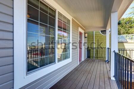 Wejście korytarzu okno ławce kabiny Zdjęcia stock © iriana88w