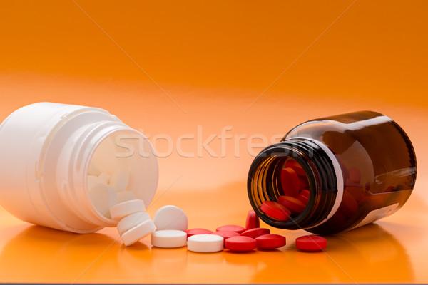Pilules bouteille bouteilles tas médicaux Photo stock © ironstealth