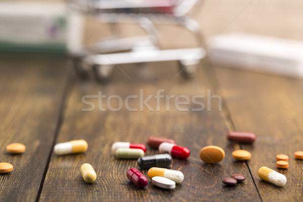 Establecer colorido pastillas cápsulas píldora cuadro Foto stock © ironstealth