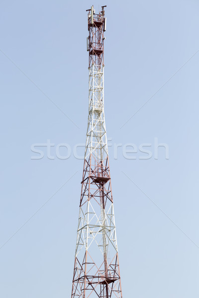 Telecommunicatie cel toren radio antenne hemel Stockfoto © ironstealth