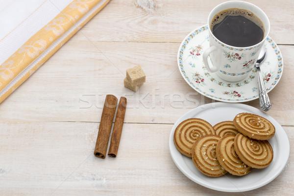 Cup caffè cookies luminoso legno piatto Foto d'archivio © ironstealth
