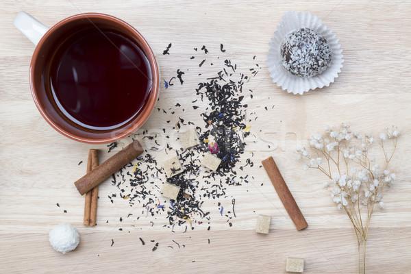 Tasse thé gâteau déjeuner délicieux chocolat Photo stock © ironstealth