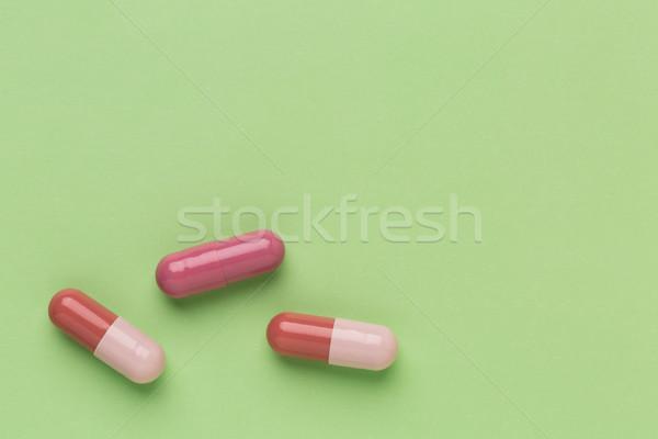 три коричневый медицина капсулы зеленый медицинской Сток-фото © ironstealth