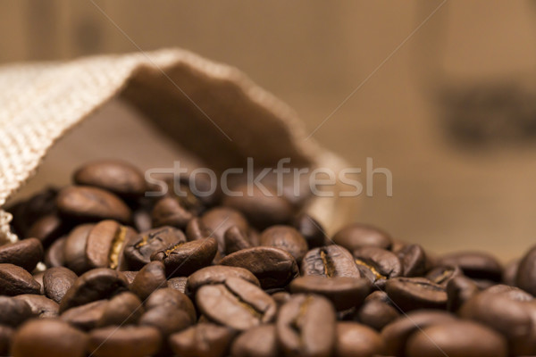 Grains de café sur sac alimentaire boire Photo stock © ironstealth