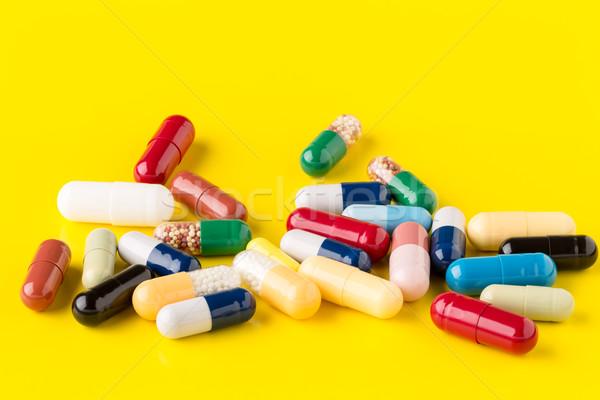 Colorato pillole giallo medici Foto d'archivio © ironstealth