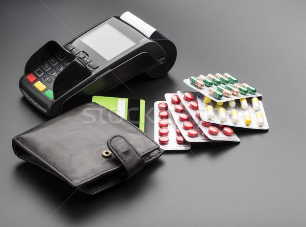 Carte de crédit pilule carte de débit internet médecine Photo stock © ironstealth
