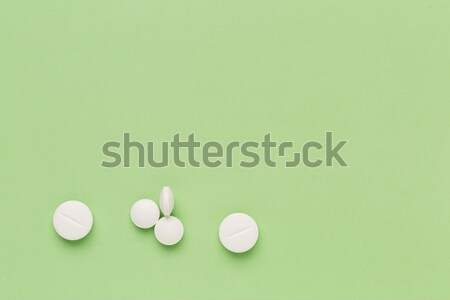 Branco pílulas colorido verde cor médico Foto stock © ironstealth