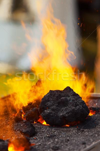 Brûlant charbon industrie rouge travailleur noir Photo stock © ISerg