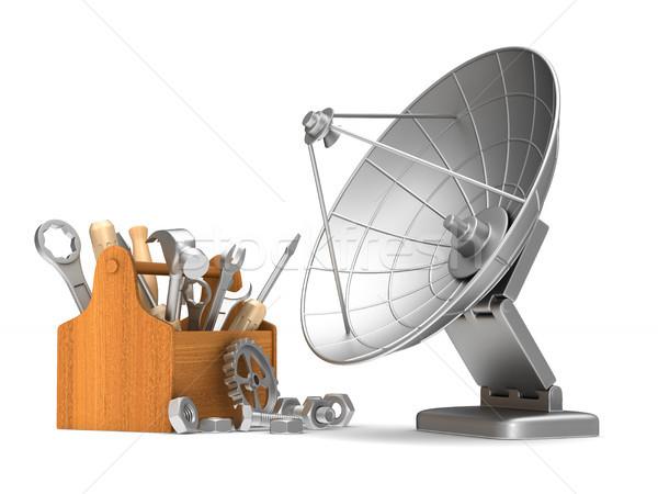 Usługi satelitarnej antena biały odizolowany 3D Zdjęcia stock © ISerg