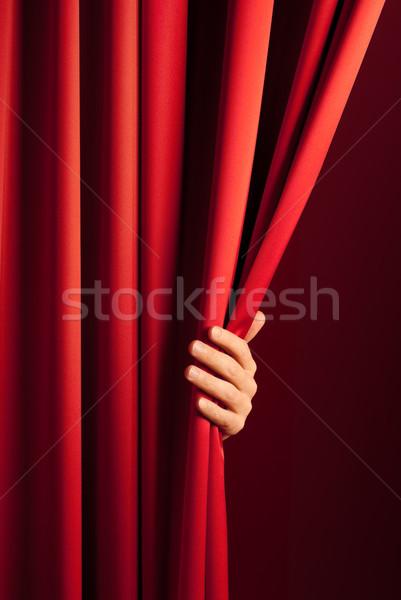 Stockfoto: Opening · gordijn · mannelijke · hand · scène · Rood