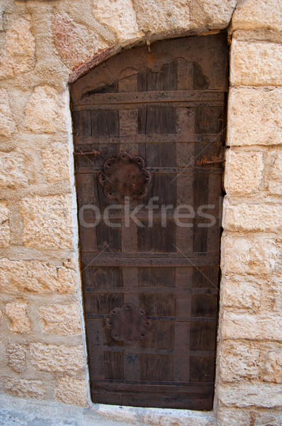 Madeira velha porta metal manusear edifício madeira Foto stock © IvicaNS