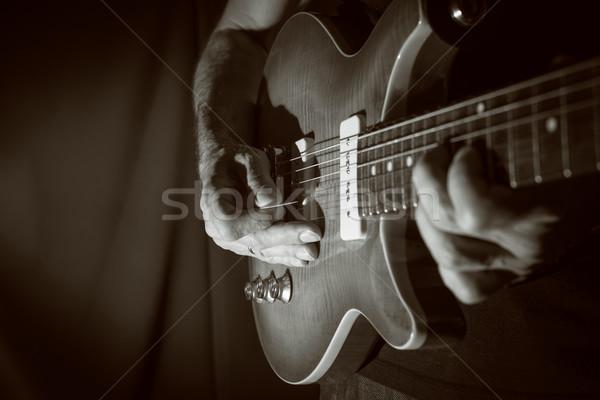 Oynama gitar adam elektrogitar siyah sanat Stok fotoğraf © IvicaNS
