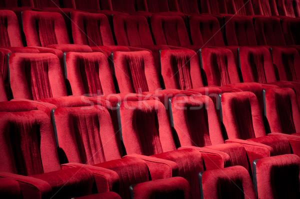 Rood theater stoelen lege gehoorzaal bioscoop Stockfoto © IvicaNS