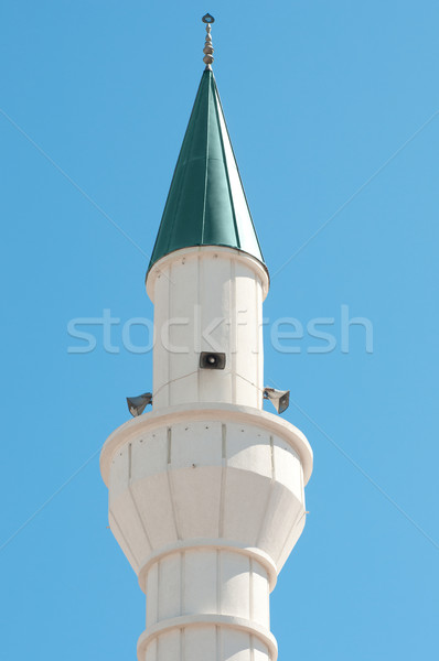 Küçük beyaz minare yeşil çatı mavi gökyüzü Stok fotoğraf © IvicaNS