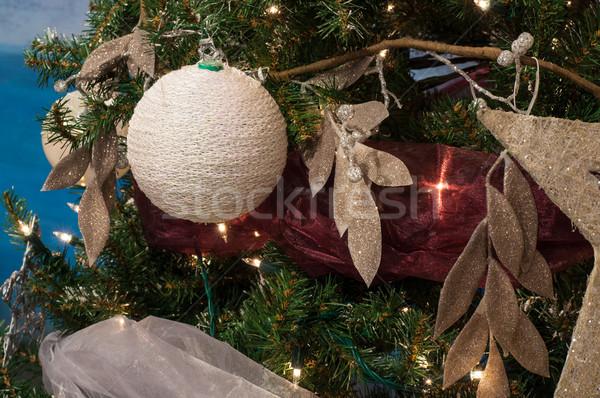 Karácsony labda dekoráció ág karácsonyfa háttér Stock fotó © IvicaNS