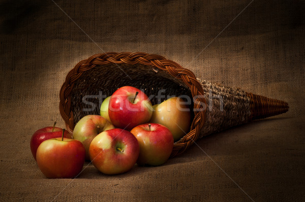 Kırmızı sarı elma sepet sonbahar bitki Stok fotoğraf © IvicaNS