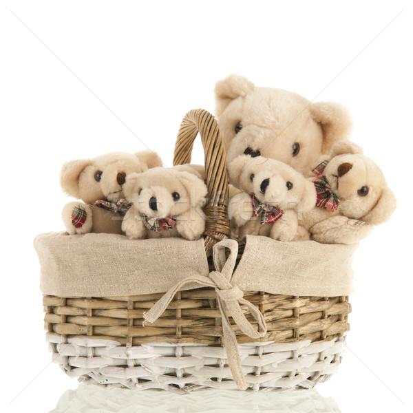 Grupy nadziewany niedźwiedzie koszyka wraz wiklina Zdjęcia stock © ivonnewierink