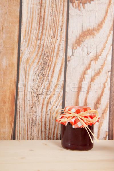Atasco frutas madera pared Foto stock © ivonnewierink