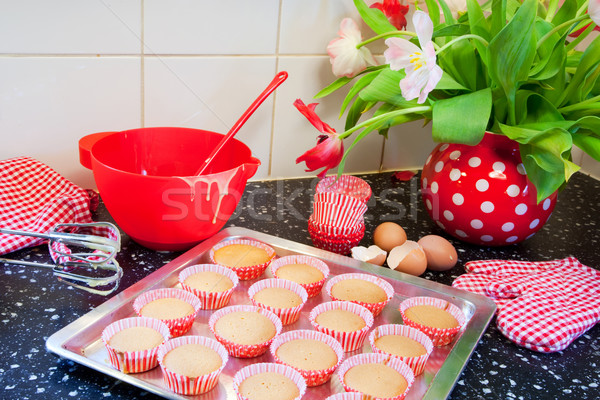 Baking cup cakes Stock photo © ivonnewierink
