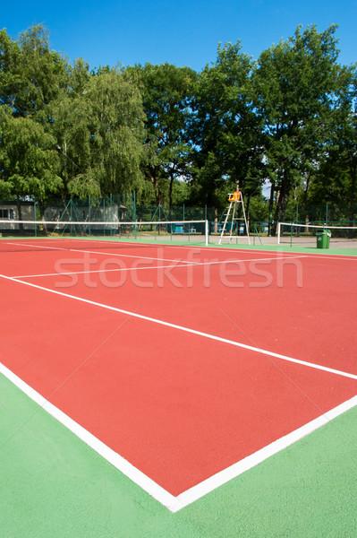 Ao ar livre quadra de tênis ninguém esportes árvores cadeira Foto stock © ivonnewierink