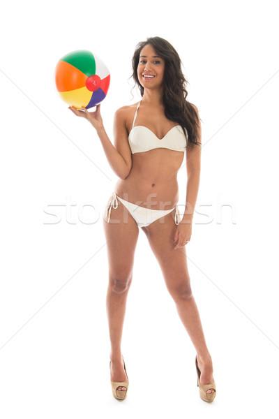 Foto d'archivio: Donna · nera · giocare · pallone · da · spiaggia · bikini · colorato · isolato