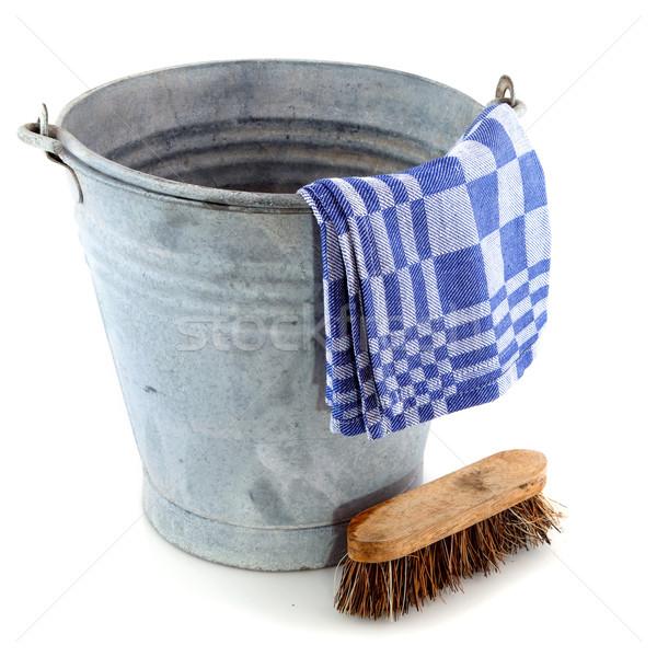 çinko kova temizlik fırçalamak eski bez Stok fotoğraf © ivonnewierink