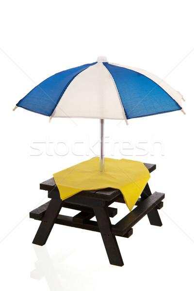 Picknicktafel lege Geel tabel doek geïsoleerd Stockfoto © ivonnewierink