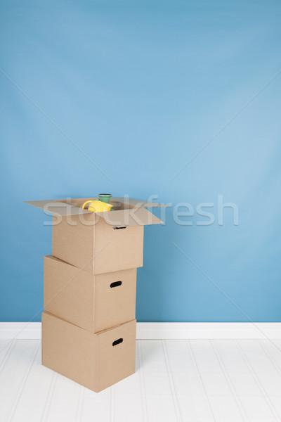 Eltávolítás ház dobozok belső senki barna Stock fotó © ivonnewierink
