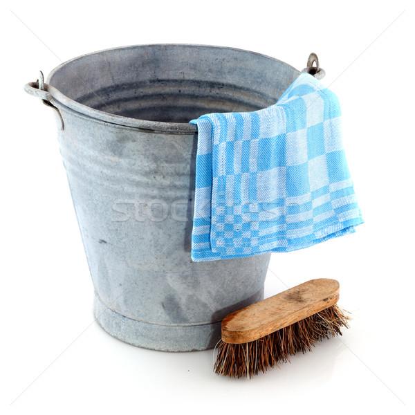 Cink vödör takarítás ecset öreg ruha Stock fotó © ivonnewierink