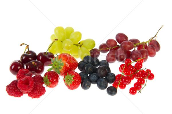 Fraîches fruits d'été cerises raisins framboises Photo stock © ivonnewierink