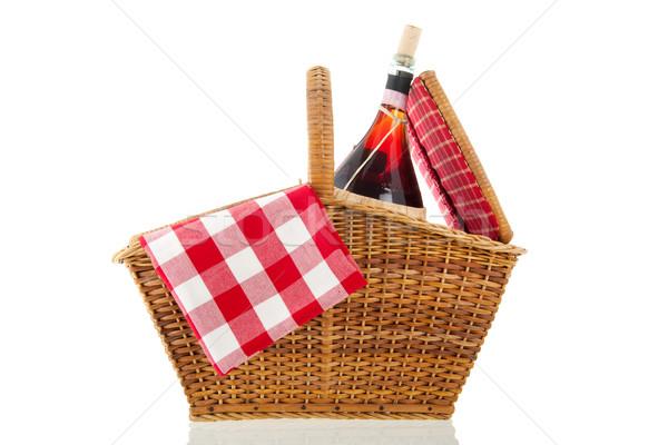 Piknik sepeti kırmızı peçete yalıtılmış beyaz şarap Stok fotoğraf © ivonnewierink
