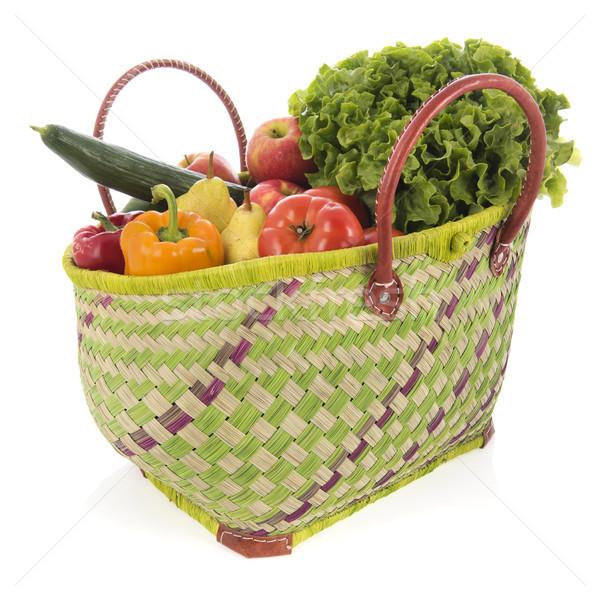 Bevásárlókosár zöldségek gyümölcs friss zöldségek izolált fehér Stock fotó © ivonnewierink