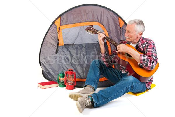 シニア 男 演奏 ギター テント 休暇 ストックフォト © ivonnewierink