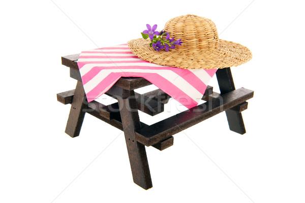Picknicktafel stro zomer hoed geïsoleerd witte Stockfoto © ivonnewierink