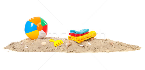 Strand Spielzeug Strandsand Muscheln Ball Handtücher Stock foto © ivonnewierink