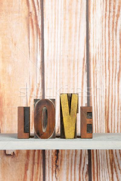 Amore stampa lettere scritto vintage usato Foto d'archivio © ivonnewierink