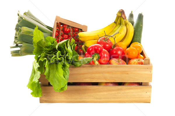 Skrzynia świeże warzywa owoców odizolowany biały Zdjęcia stock © ivonnewierink