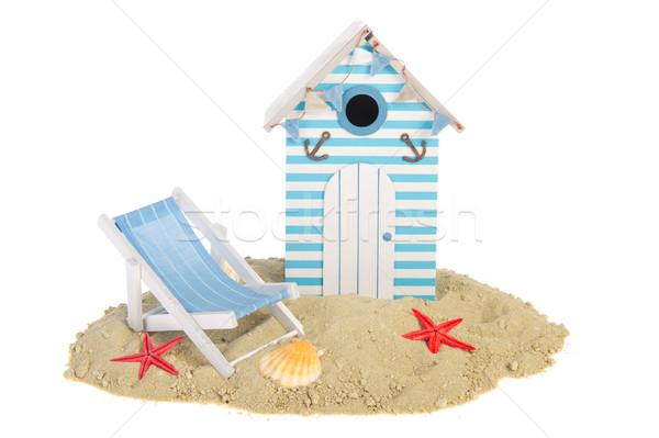 Tengerparti kunyhó szék nyár kagylók homok ház Stock fotó © ivonnewierink