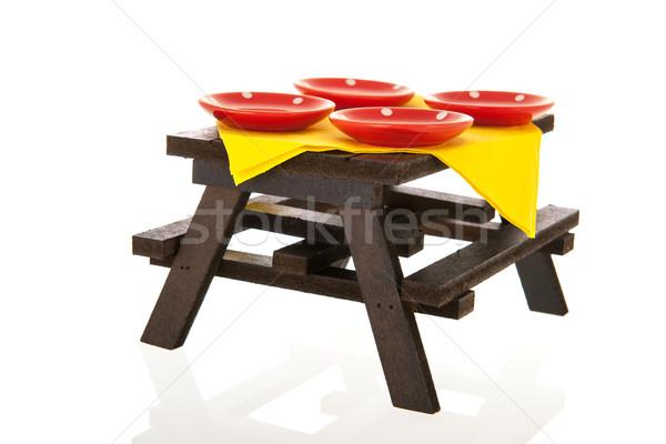 Outdoor picknicktafel platen geïsoleerd witte voedsel Stockfoto © ivonnewierink